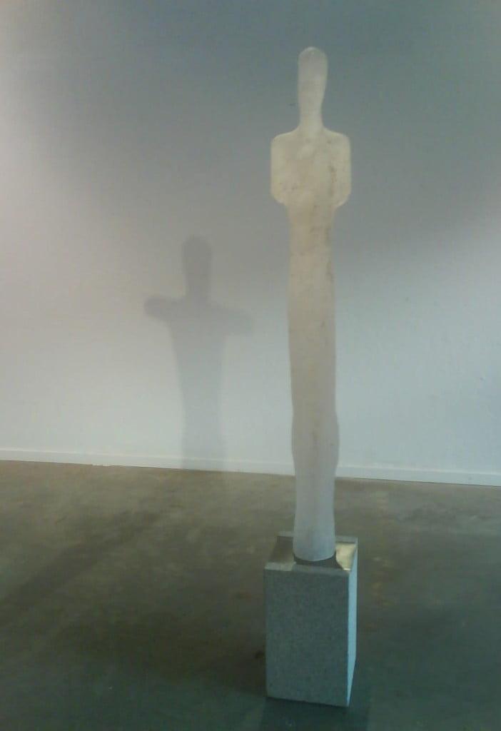 Søyle inn med skygge av Søyle ut, glass og bronse, nico widerberg
