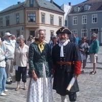 Vanndring i Gamlebyen 2012.08.01 -- Guidene Tone Thøgersen og Tore Solbakken