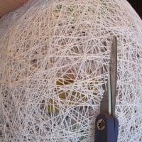 18 klipp opp trådegget start ut med liten åpning og utvid etter behov